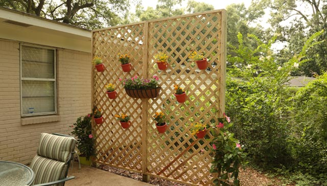 How to build a wood lattice privacy wall checking in for How to build a lattice screen fence