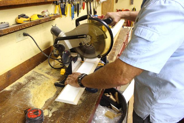cutting 1x6 on chop miter saw