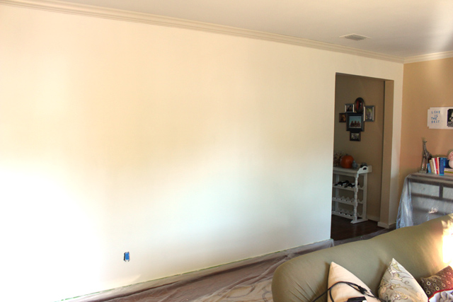 simply white by benjamin moore wall