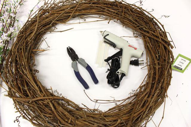 Craft Materials for Making Summer Wreath