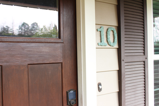 vinyl siding numbers spray painting moss house numbers checking in with chelsea