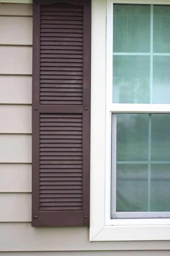 Brown Vinyl Shutter After Updating with ArmorAll
