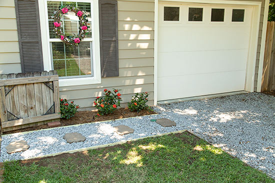 DIY Easy and Inexpensive Gravel Walkway Sidewalk