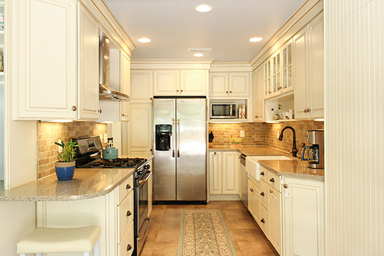Modern Kitchen Updated and Decluttered for Home Staging