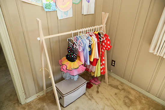 Dress Up Costume Clothes Rack for Kids